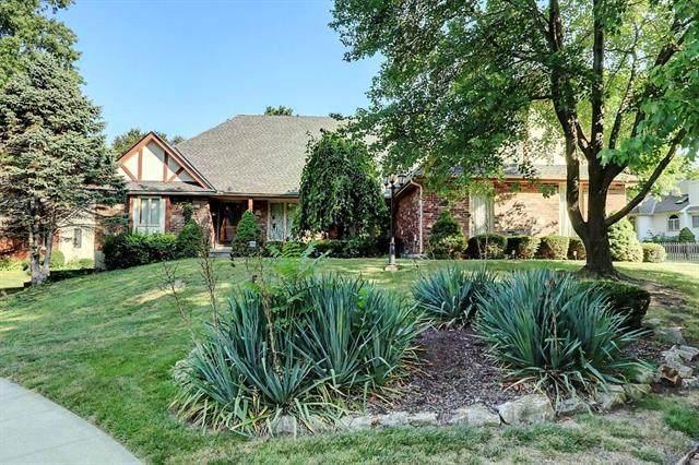 6304 Larson Avenue, Kansas City, MO 64133 (#2239152) :: Ron Henderson & Associates