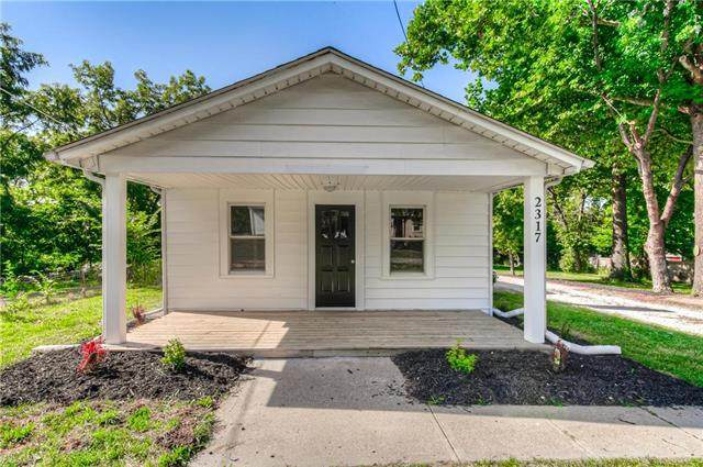 2317 NE 43rd Street, Kansas City, MO 64116 (#2239238) :: Jessup Homes Real Estate | RE/MAX Infinity