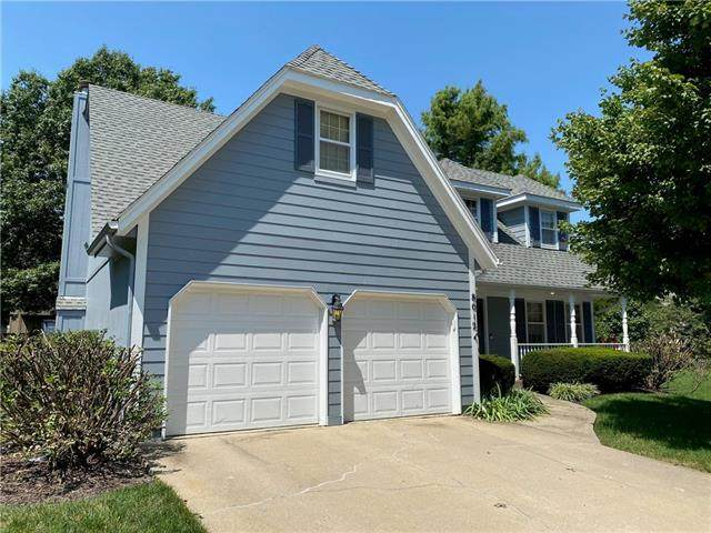 8012 Schweiger Drive, Lenexa, KS 66219 (#2239403) :: Jessup Homes Real Estate | RE/MAX Infinity