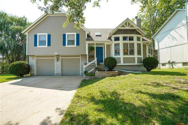 500 SE Franklin Court, Blue Springs, MO 64014 (#2239447) :: Jessup Homes Real Estate | RE/MAX Infinity