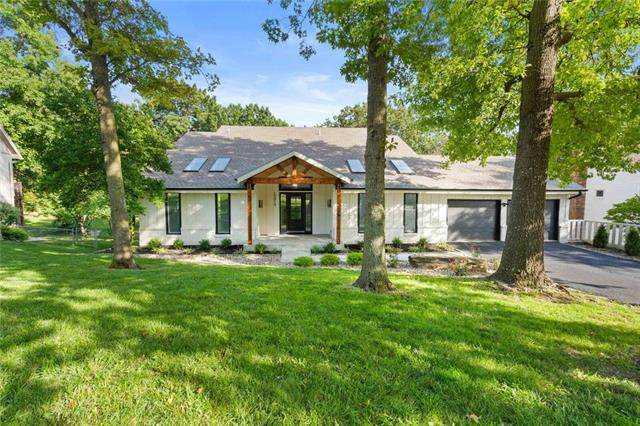 13919 W 48 Terrace, Shawnee, KS 66216 (#2239506) :: Jessup Homes Real Estate | RE/MAX Infinity