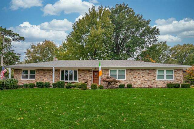 5000 Howe Drive, Roeland Park, KS 66205 (#2239538) :: House of Couse Group
