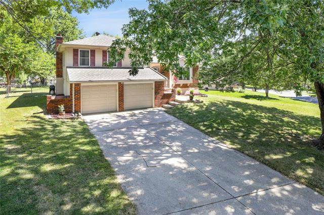 1604 NW Winchester Place, Blue Springs, MO 64015 (#2239694) :: Ron Henderson & Associates