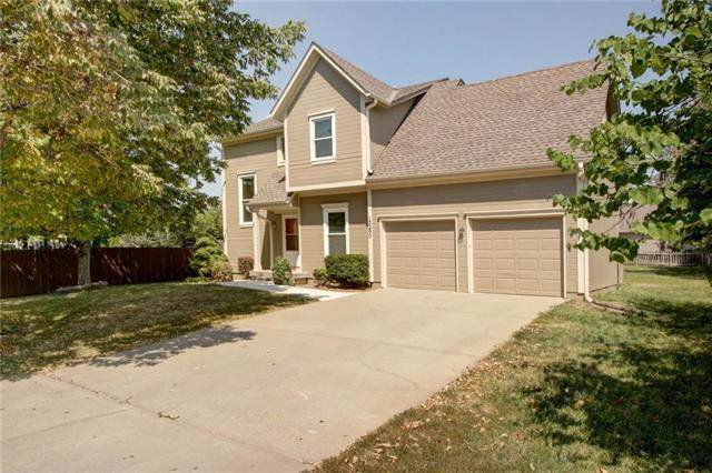 15290 W 147th Terrace, Olathe, KS 66062 (#2239713) :: Ron Henderson & Associates
