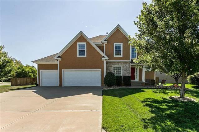 17735 S Roundtree Drive, Olathe, KS 66062 (#2239729) :: Jessup Homes Real Estate   RE/MAX Infinity