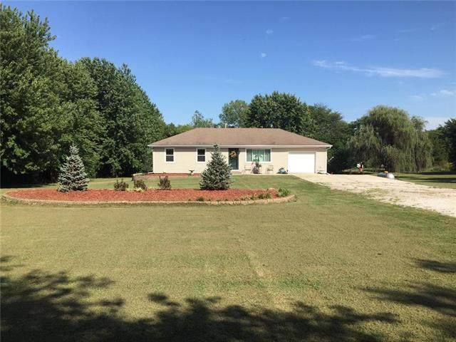 29625 Spring Valley Road, Louisburg, KS 66053 (#2239750) :: Jessup Homes Real Estate | RE/MAX Infinity