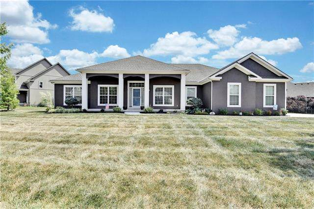 15107 Craig Street, Basehor, KS 66007 (#2239762) :: Jessup Homes Real Estate | RE/MAX Infinity