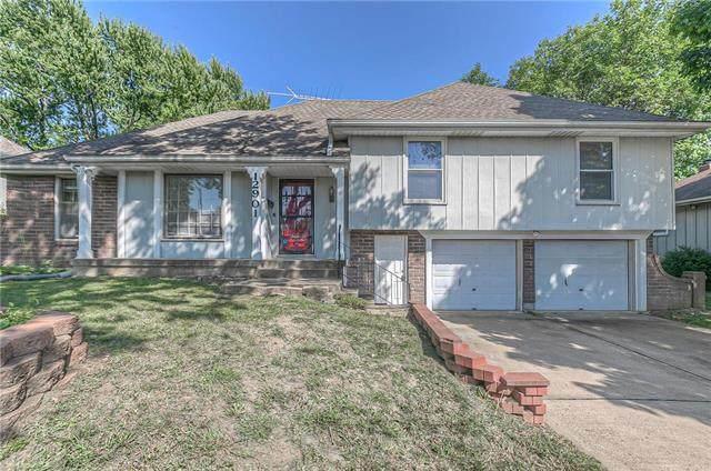 12901 Overhill Road, Grandview, MO 64030 (#2240173) :: Ron Henderson & Associates
