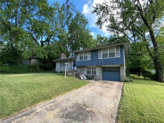 5901 E 97th Street, Kansas City, MO 64134 (#2240291) :: Ron Henderson & Associates