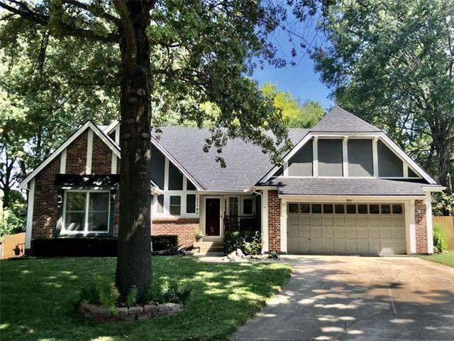 11183 Grandview Drive, Overland Park, KS 66210 (#2240292) :: Ron Henderson & Associates