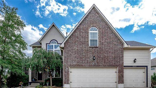 22229 W 176TH Terrace, Olathe, KS 66062 (#2240325) :: Jessup Homes Real Estate   RE/MAX Infinity