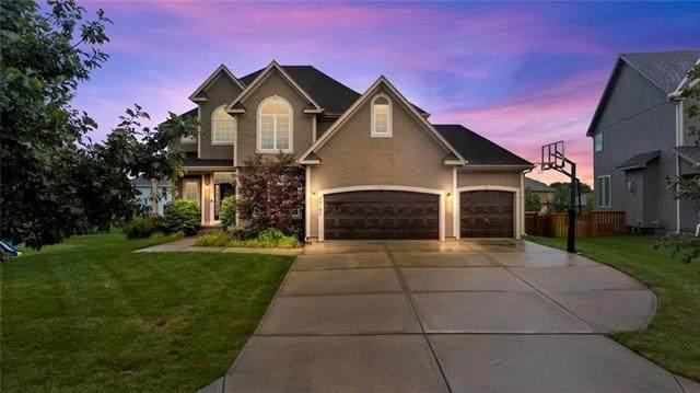 25195 W 149th Terrace, Olathe, KS 66061 (#2240554) :: Ron Henderson & Associates