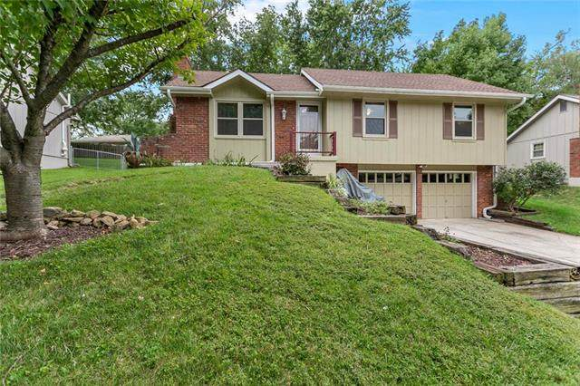 6720 NW Sioux Drive, Parkville, MO 64152 (#2240566) :: Jessup Homes Real Estate | RE/MAX Infinity