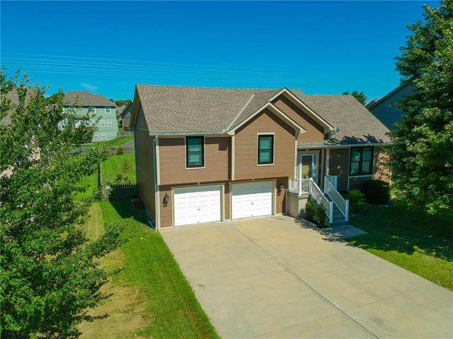 1400 NW Persimmon Drive, Grain Valley, MO 64029 (#2240572) :: Jessup Homes Real Estate   RE/MAX Infinity