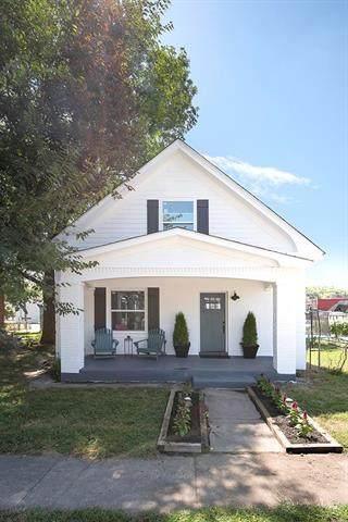 1509 W 39th Avenue, Kansas City, KS 66103 (#2240576) :: Ron Henderson & Associates