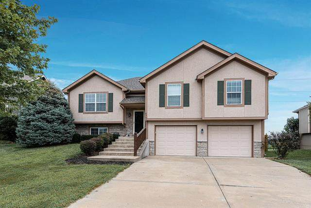 4905 22nd Street, Leavenworth, KS 66048 (#2240694) :: Jessup Homes Real Estate | RE/MAX Infinity
