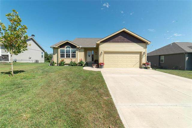 215 Meadowbrook Lane, Wellsville, KS 66092 (#2240723) :: Jessup Homes Real Estate | RE/MAX Infinity