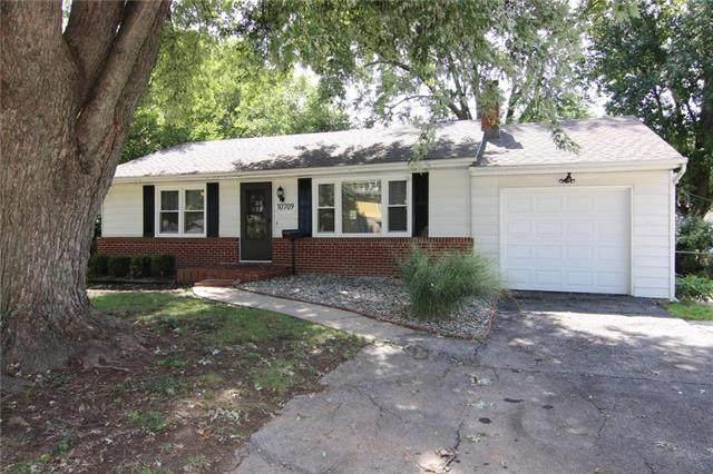 10709 Sharon Lane, Shawnee, KS 66203 (#2240824) :: Jessup Homes Real Estate | RE/MAX Infinity