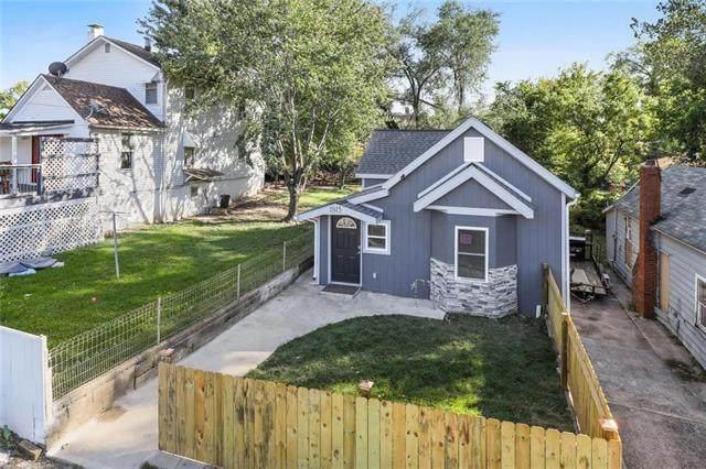 1815 Lowell Avenue, Kansas City, KS 66102 (#2240868) :: Ask Cathy Marketing Group, LLC