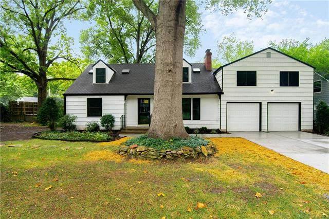 7486 Village Drive, Prairie Village, KS 66208 (#2240919) :: Ron Henderson & Associates