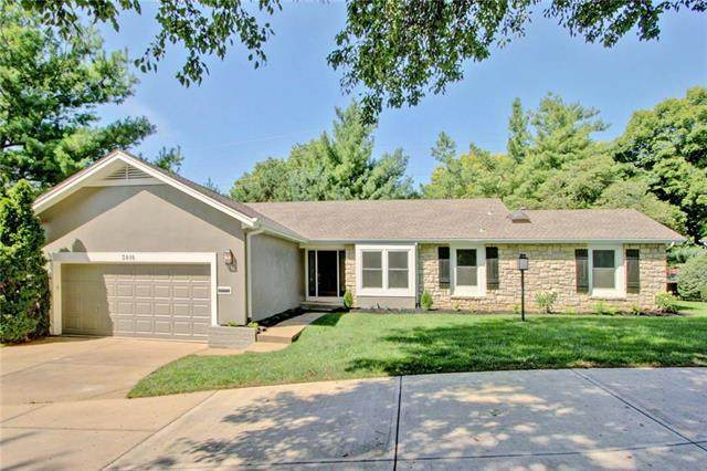 3818 W 79th Terrace, Prairie Village, KS 66208 (#2240999) :: The Kedish Group at Keller Williams Realty