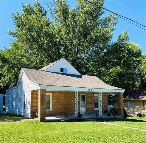 305 E Forest Street, Harrisonville, MO 64701 (#2241012) :: Jessup Homes Real Estate | RE/MAX Infinity