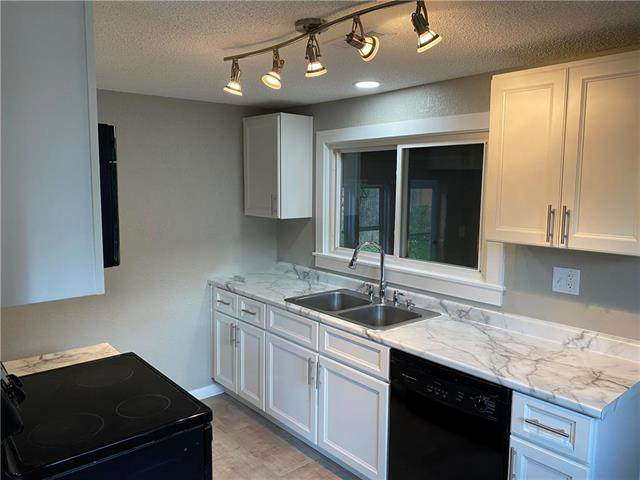 431 E South Avenue, Independence, MO 64050 (#2241120) :: Jessup Homes Real Estate | RE/MAX Infinity