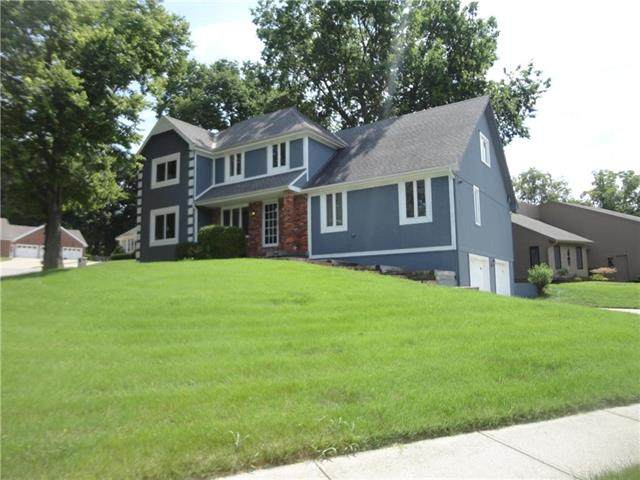 3825 S Grand Avenue, Independence, MO 64055 (#2241217) :: Ron Henderson & Associates
