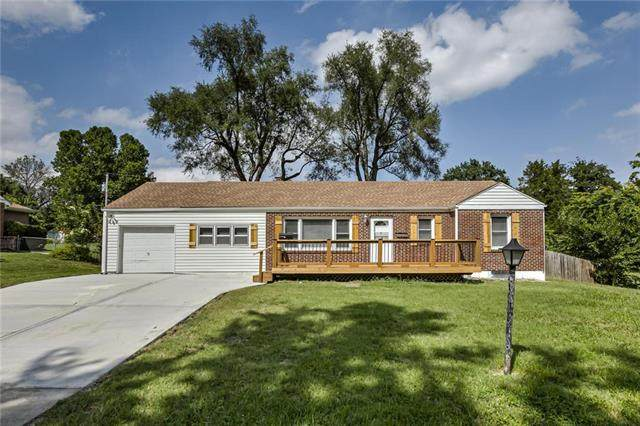 10200 E 69th Terrace, Raytown, MO 64133 (#2241304) :: Edie Waters Network