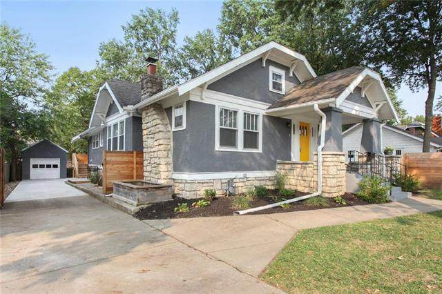 204 E 75 Street, Kansas City, MO 64114 (#2241542) :: House of Couse Group