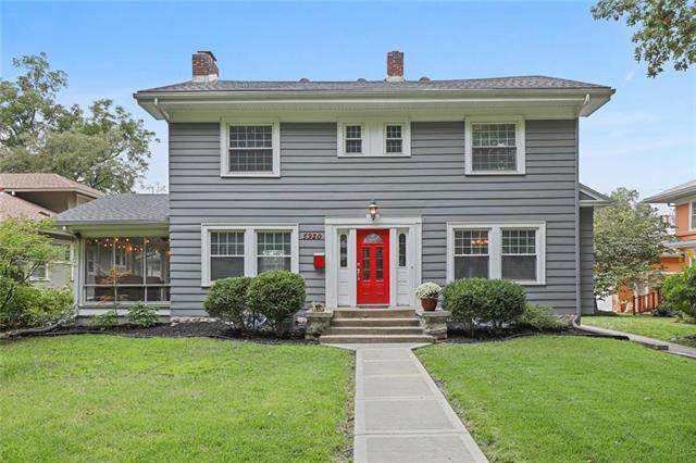 5920 Oak Street, Kansas City, MO 64113 (#2241545) :: Jessup Homes Real Estate | RE/MAX Infinity