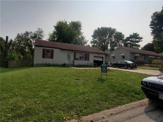 1207 NE 67TH Place, Gladstone, MO 64118 (#2241613) :: Jessup Homes Real Estate | RE/MAX Infinity