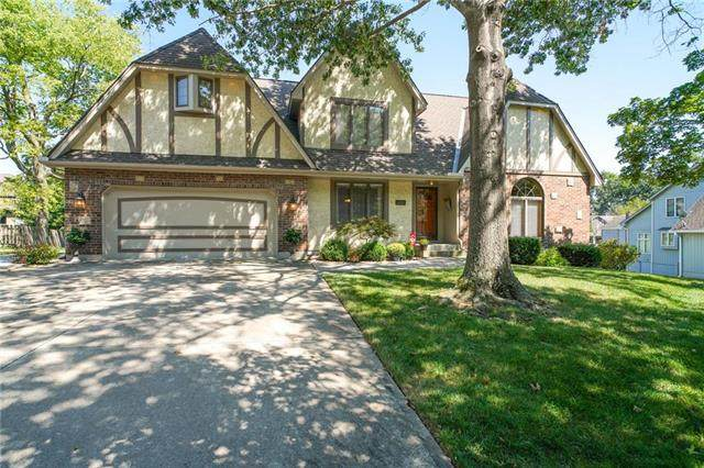 6409 Larson Court, Kansas City, MO 64133 (#2241682) :: Austin Home Team