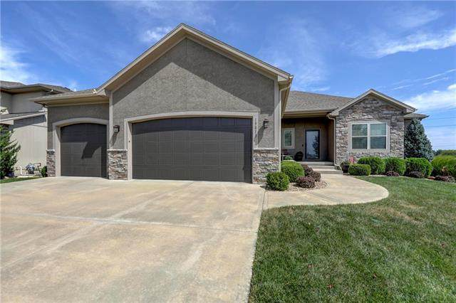 19813 Elmridge Street, Spring Hill, KS 66083 (#2241739) :: House of Couse Group