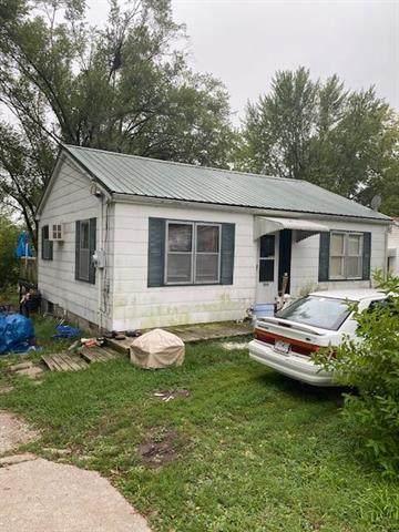 711 E Olive Street, Richmond, MO 64085 (#2241742) :: The Gunselman Team