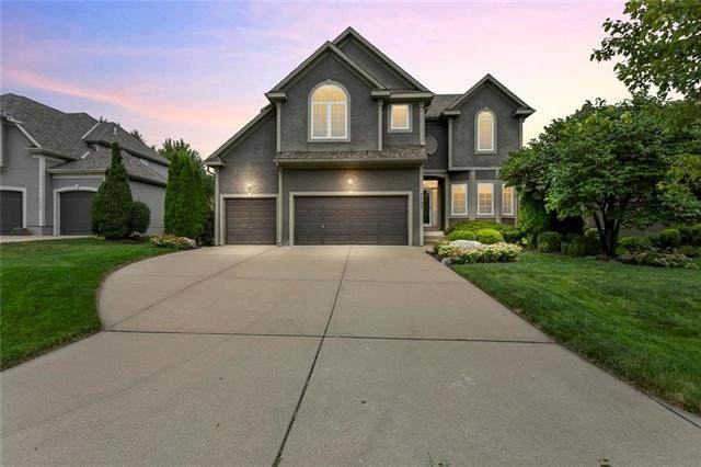 7722 W 145th Terrace, Overland Park, KS 66223 (#2241773) :: Austin Home Team