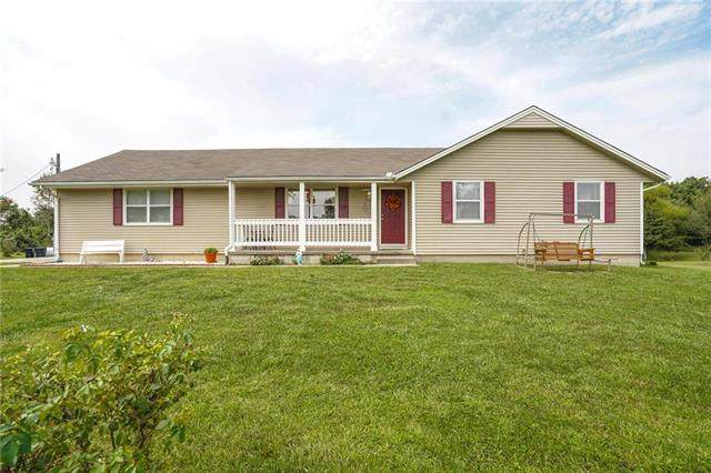 27812 S Buford Road, Harrisonville, MO 64701 (#2241830) :: The Gunselman Team