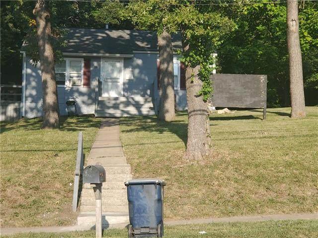 7586 Prospect Avenue, Kansas City, MO 64132 (#2241832) :: Jessup Homes Real Estate | RE/MAX Infinity