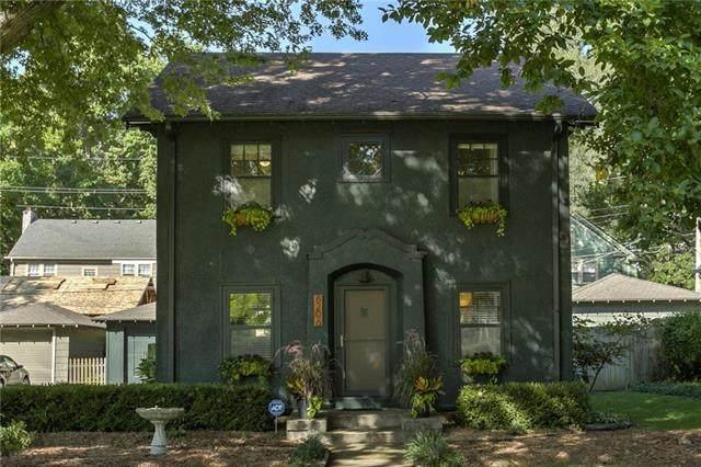 6206 Oak Street, Kansas City, MO 64113 (#2241927) :: Jessup Homes Real Estate | RE/MAX Infinity