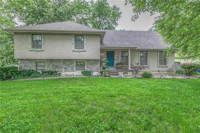 1000 S Valley Road, Olathe, KS 66061 (#2242002) :: Ron Henderson & Associates