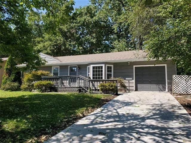 113 NW 5th Street, Blue Springs, MO 64014 (#2242030) :: Ron Henderson & Associates