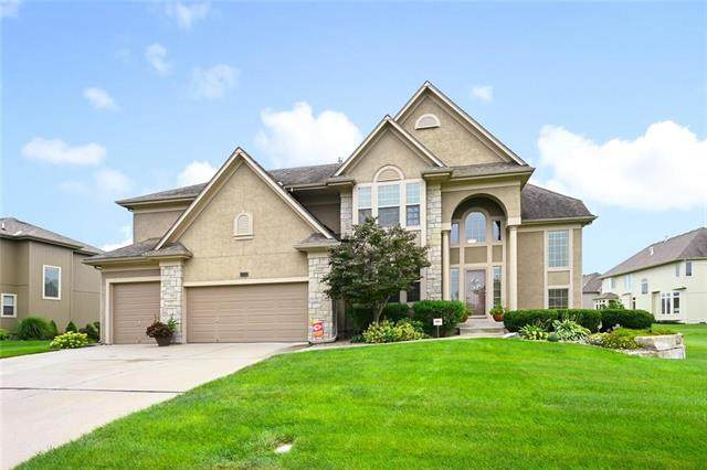 2717 NW Olmstead Drive, Lee's Summit, MO 64081 (#2242108) :: Edie Waters Network