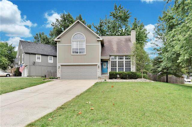 1268 N Lucy Montgomery Way, Olathe, KS 66061 (#2242110) :: Jessup Homes Real Estate | RE/MAX Infinity