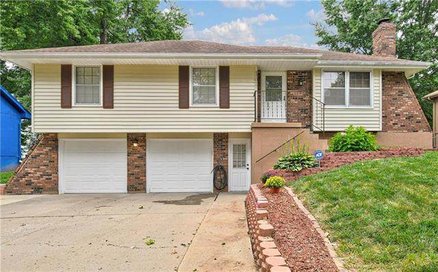 17017 Cheyenne Drive, Independence, MO 64056 (#2242212) :: Ron Henderson & Associates