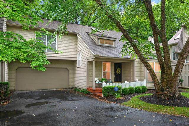 4052 W 79th Street, Prairie Village, KS 66208 (#2242249) :: House of Couse Group