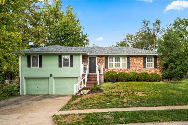 1324 E 109TH Terrace, Kansas City, MO 64131 (#2242265) :: Ron Henderson & Associates