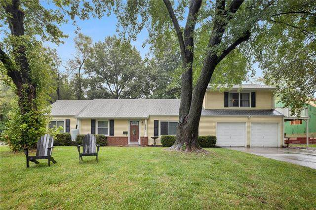 2800 W 75th Place, Prairie Village, KS 66208 (#2242306) :: Ron Henderson & Associates