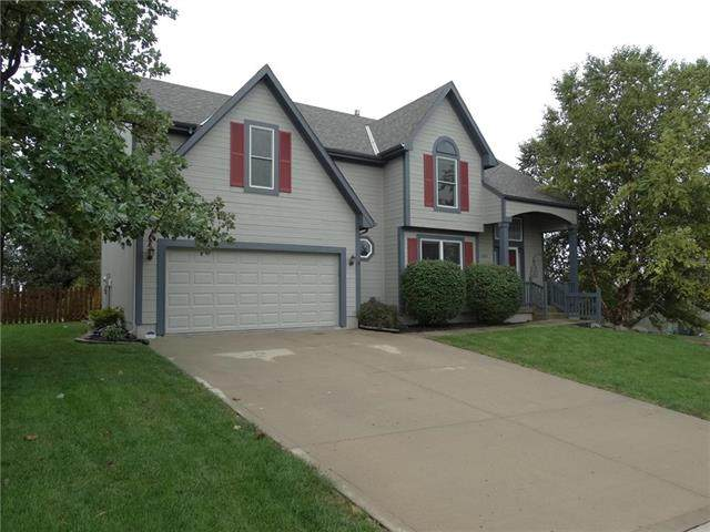 8203 NE 97 Terrace, Kansas City, MO 64157 (#2242358) :: Ron Henderson & Associates