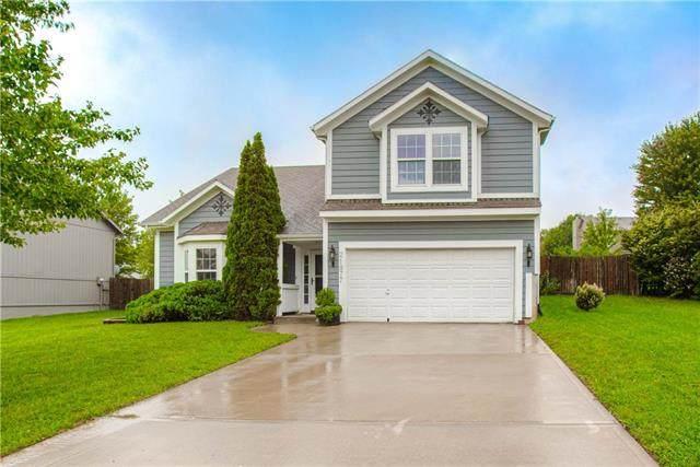 21877 Lincoln Terrace, Spring Hill, KS 66083 (#2242376) :: Five-Star Homes