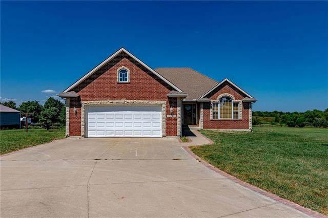 26010 203rd Street, Pleasant Hill, MO 64080 (#2242453) :: Dani Beyer Real Estate
